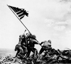 joe-rosenthal-raising-the-flag-on-iwo-jima-1945